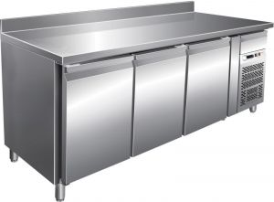 Ventilated refrigerated counter table with G-GN3200BT riser